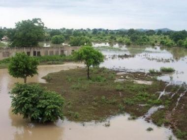 1263663529-inondations-en-afrique-1-5-million-de-personnes-affectees.jpg