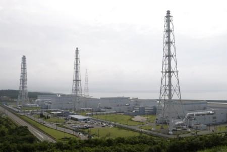 2007-07-18t103810z_01_nootr_rtridsp_3_ofrwr-japon-seisme-fuite-20070718.jpg