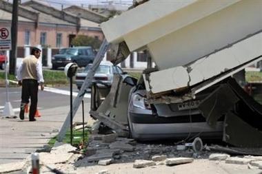 Les fantômes du séisme chilien 227117391-fort-tremblement-de-terre-sur-les-cotes-chiliennes