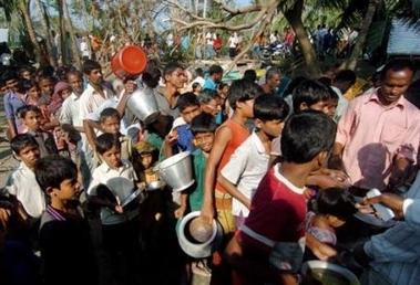 2592276987-cyclone-au-bangladesh-serieux-risque-de-maladies-en-raison-du.jpg