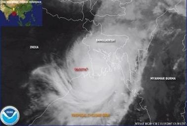 3454850089-le-puissant-cyclone-au-sud-du-bangladesh-a-fait-au.jpg