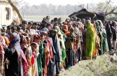 3914112109-un-million-de-sans-abri-au-bangladesh-apres-le-passage.jpg