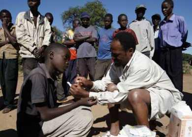 2008-04-23T131653Z_01_THR15_RTRIDSP_2_ZAMBIA-MALARIA_articleimage