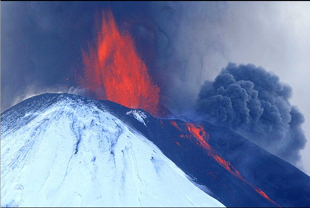 volcan_llaima01