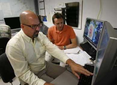 2009-09-29T215044Z_01_HAW02_RTRIDSP_2_QUAKE-PACIFIC_articleimage