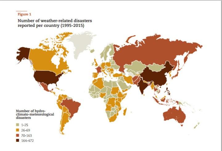 Les catastrophes liées à des condition climatiques sont devenues plus fréquentes à la fin des années 1990, avec un pic en 2005 (cf. diaporama)