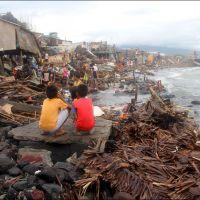 Bilan des tempêtes et typhons aux Philippines (2015)