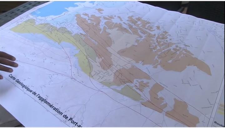 Carte géologique de Port-au-Prince, 2015