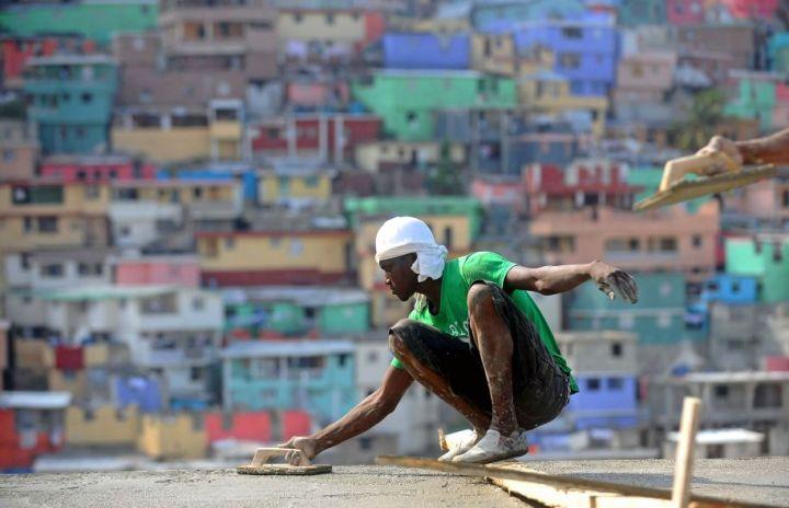 Photo: Hector Retamal Agence France-Presse - Haïti n'a pas vraiment agi sur le bâti depuis le séisme d'il y a six ans.