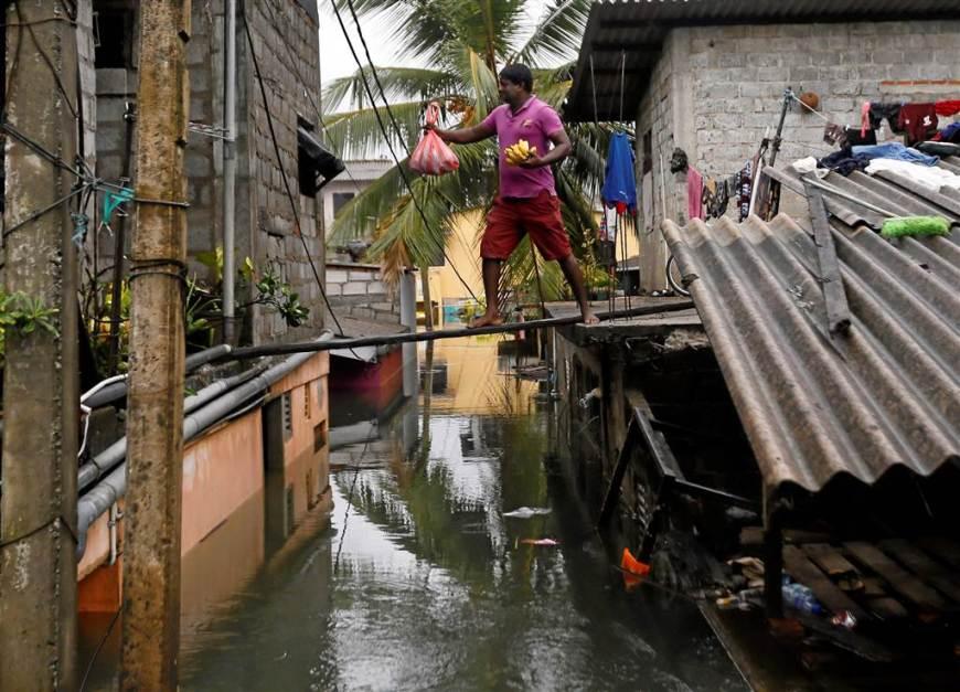ss-160523-sri-lanka-flood-disaster-16_f45e8af823b03dd0e0f8225622963df6.nbcnews-ux-1024-900