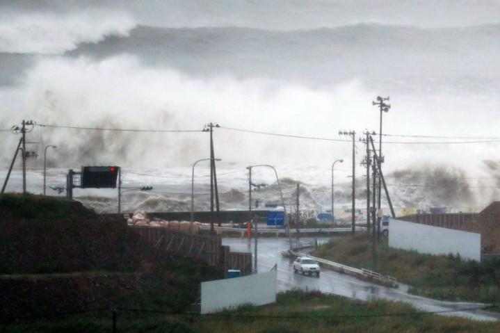 Vagues accompagnant le typhon sur la côte à Ishinomaki, préfecture de Miyagi, le 30/08/2016 Juin Hirata / Kyodo Nouvelles via AP