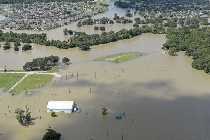 Vue aérienne des inondations dans le quartier Est de Bâton-Rouge, Louisiane le 15/08/2016 - Photo Bill Feig, quotidien The Advocate
