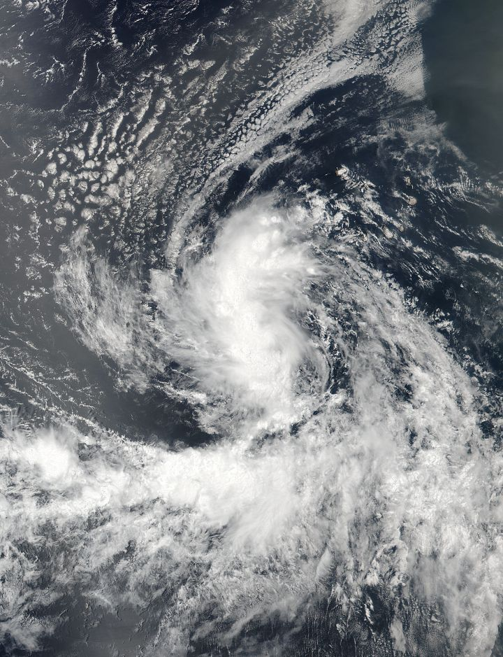 Tempête Tropicale Gaston - On Aug. 22 at 11:30 a.m. EDT (1530 UTC) NASA-NOAA's Suomi NPP satellite saw Tropical Storm Gaston developing in the eastern Atlantic Ocean. Credits: NASA/NOAA