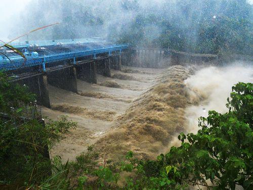 Photo de l'eau boueuse de la rivière Xindian à Zhitan près de New Taipei. Cette eau en temps normal permet d'approvisionner Taipei et sa région en eau potable. - Source : Focus Taiwan