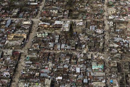 80 % des bâtiments de Jérémie, localité de 30 000 habitants, sont détruits en Haïti.   AFP